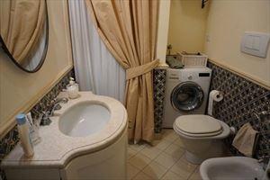 Appartamento dei Pioppi : Bagno con doccia