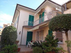 Villa Ambra - Semi detached villa Seravezza