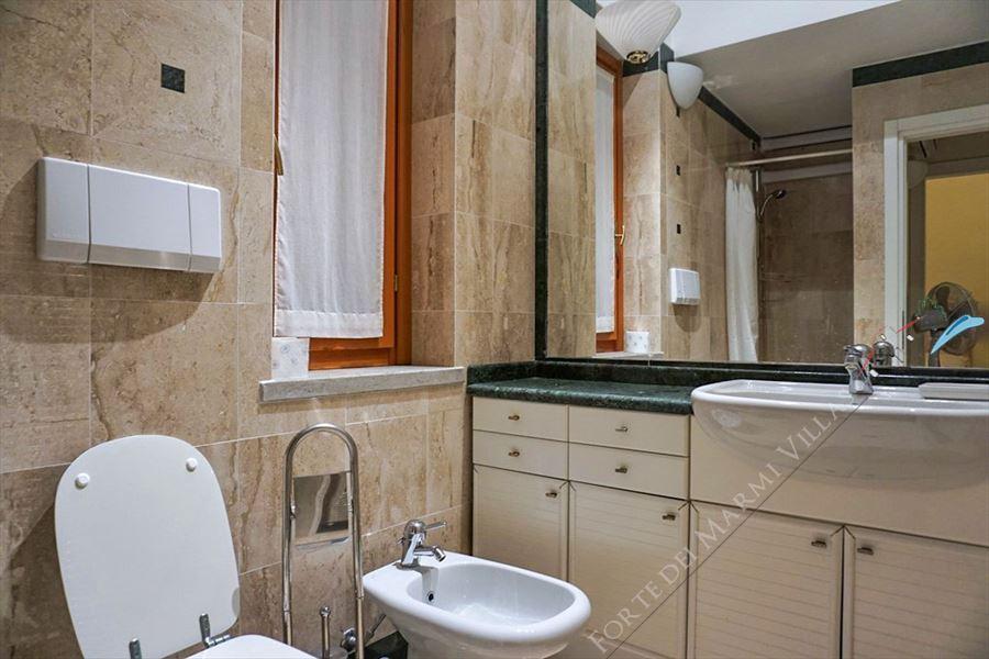 Villa Maremma : Bathroom with shower