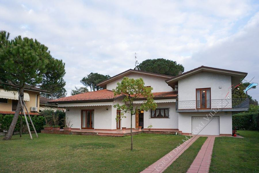 Villa Teresa - Detached villa To Rent Forte dei Marmi