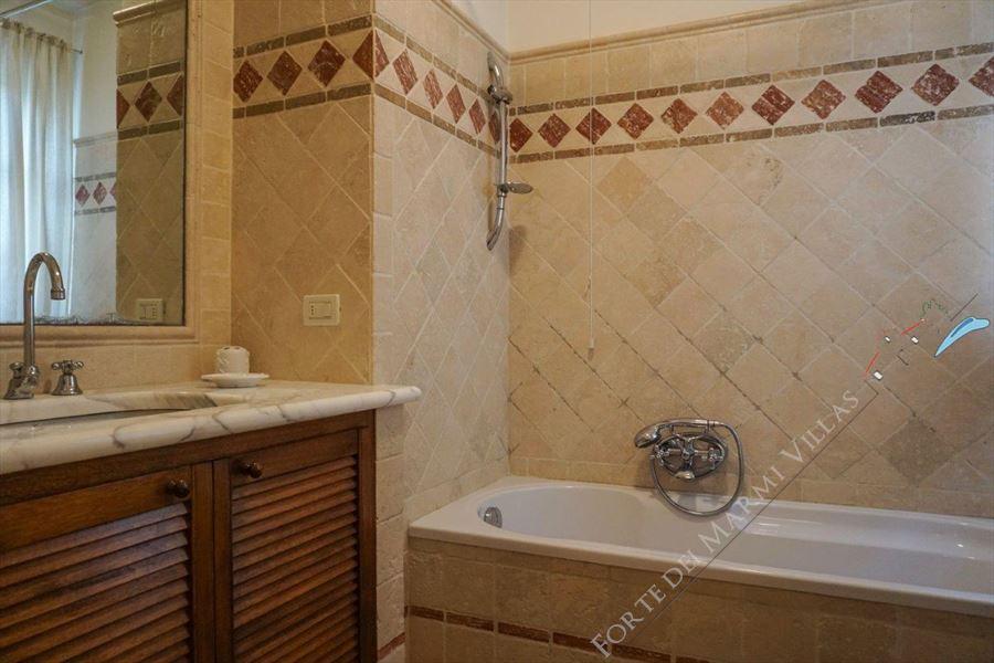 Villa Duchessa : Bagno con vasca