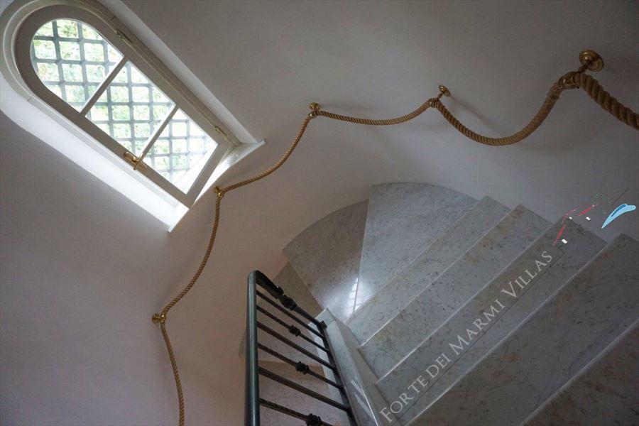 Villa Duchessa : Scale di marmo