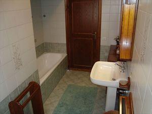 Villa Fiore Rosso   : Bagno con vasca