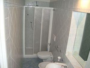 Villa Fiore Rosso   : Bagno con doccia