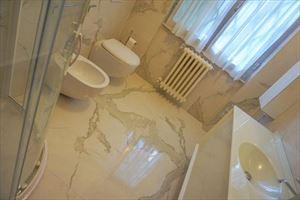 Villa Augustus  : Bathroom with shower
