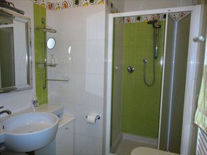 Villa Alaide  : Bathroom with shower