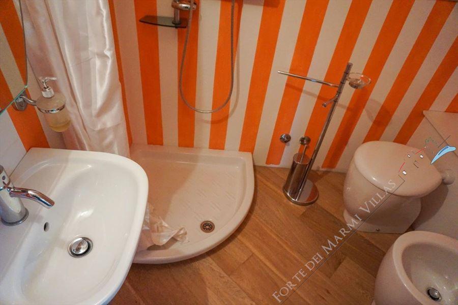 Villa Marilyn : Bathroom with shower