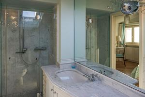 Villa Marilyn : Bathroom with shower