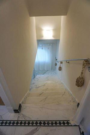 Villa Eros : мраморная лестница