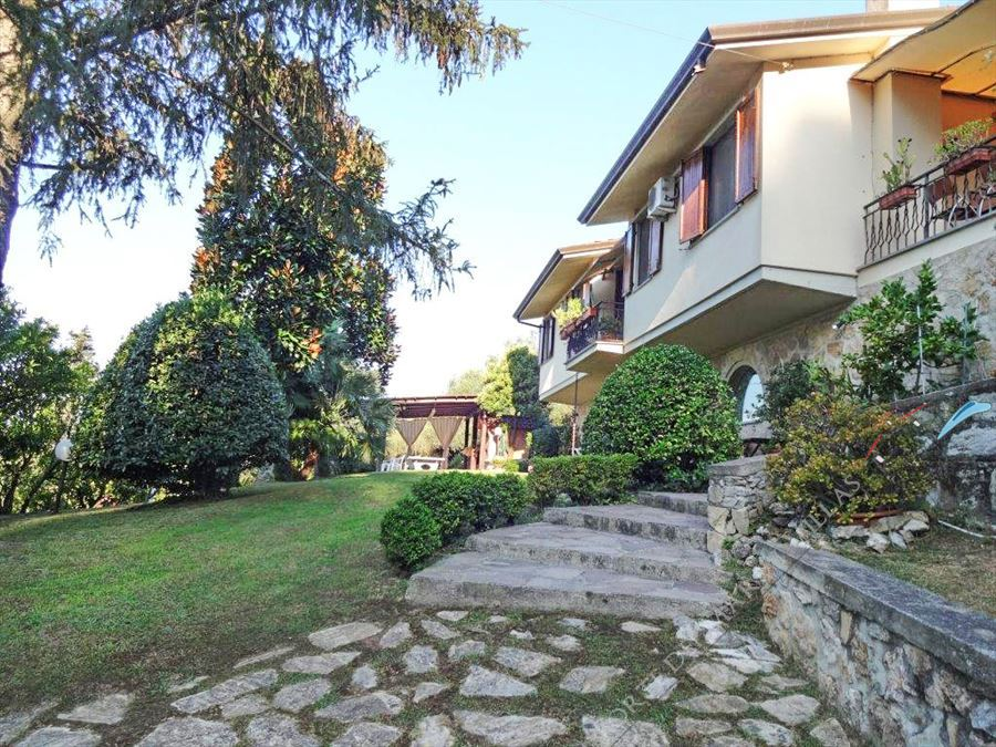 Villa Serendipity detached villa to rent and for sale Camaiore