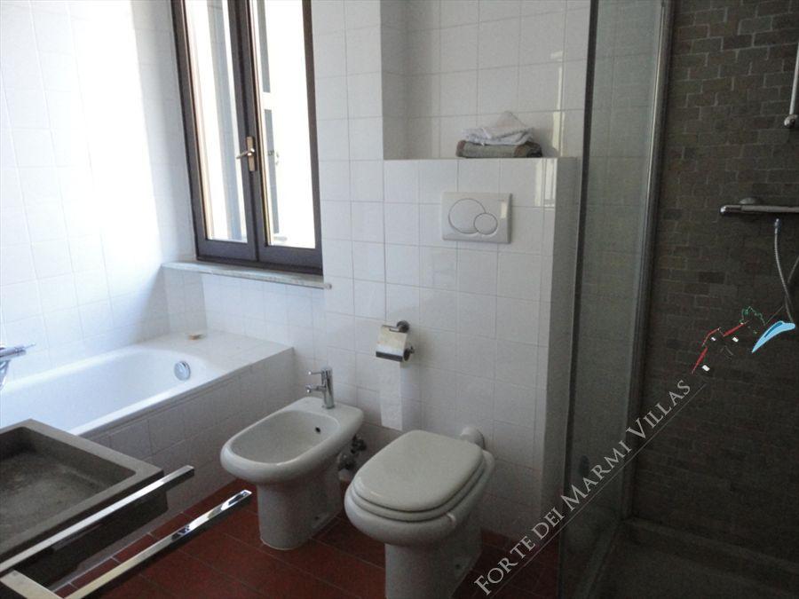 Villa Collina   sea  view : Bathroom with shower