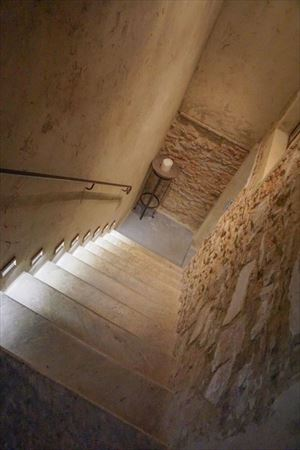Villa Lavanda   : мраморная лестница