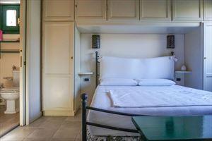Appartamento Mediceo : спальня с двуспальной кроватью