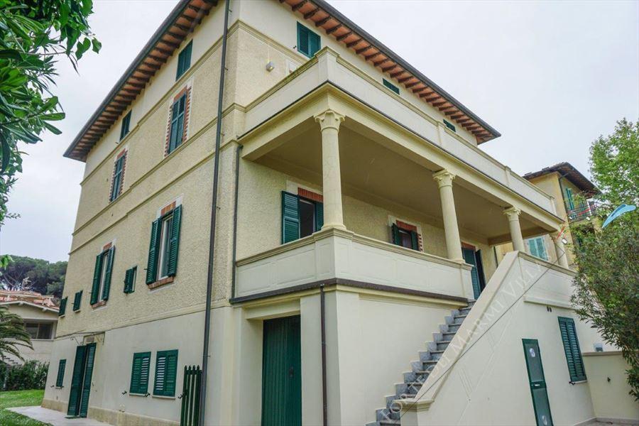 Villa Maestrale - Villa bifamiliare Forte dei Marmi