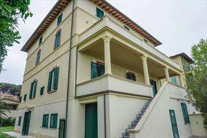 Villa Maestrale: Semi detached villa Forte dei Marmi
