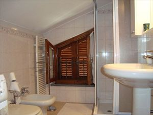 Appartamento Cinquale : Ванная комната с душем