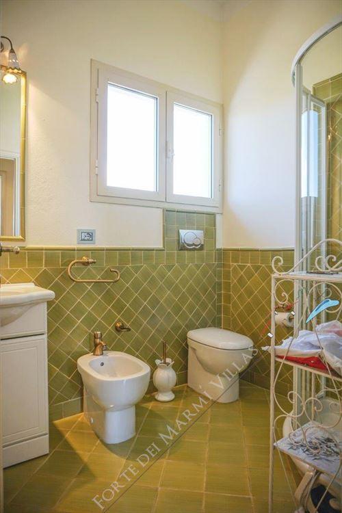 Appartamento Siluetta : Bathroom with shower