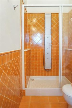 Appartamento Siluetta : Bathroom with shower