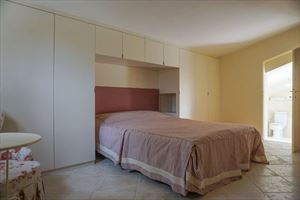 Villa Maddalena : спальня с двуспальной кроватью