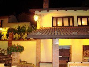 Borgo Asti : Вид снаружи
