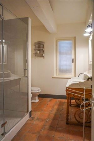 Villa di Fascino : Bathroom with shower