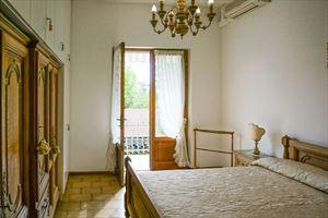 Villa Anna : спальня с двуспальной кроватью