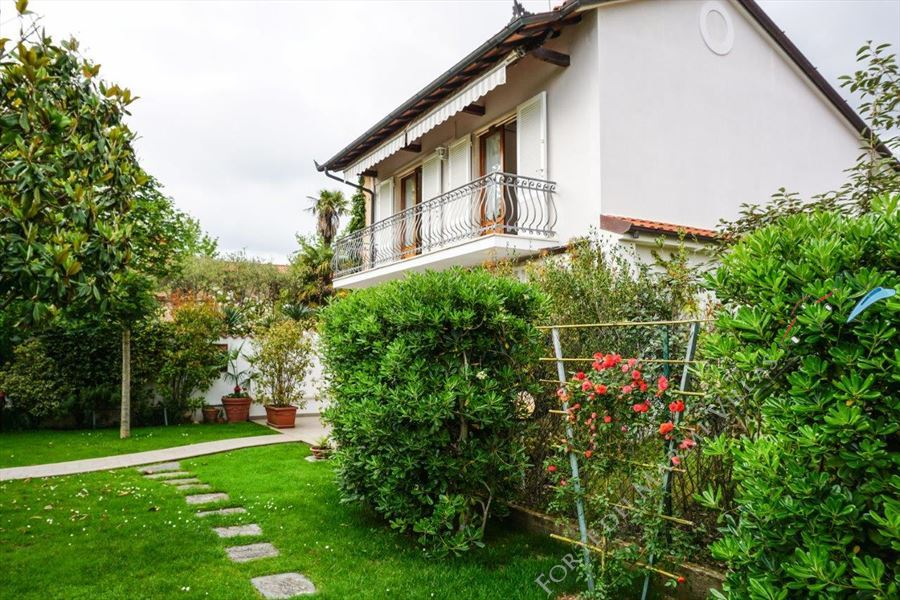 Villa Anna - Detached villa To Rent Forte dei Marmi