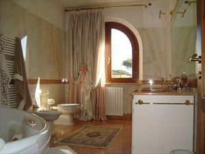 Villa Vlada   : Ванная комната с ванной