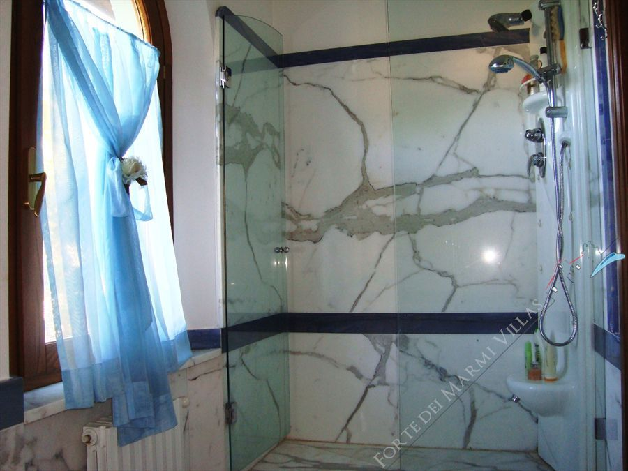 Villa Vlada   : Bathroom with shower