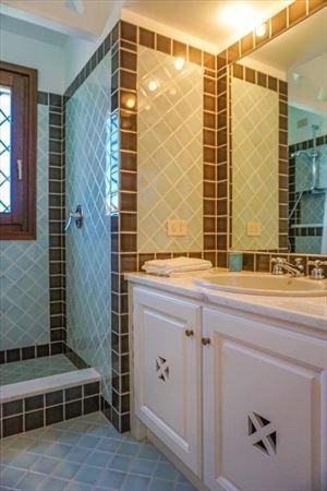 Villa Porto Cervo : Ванная комната с душем