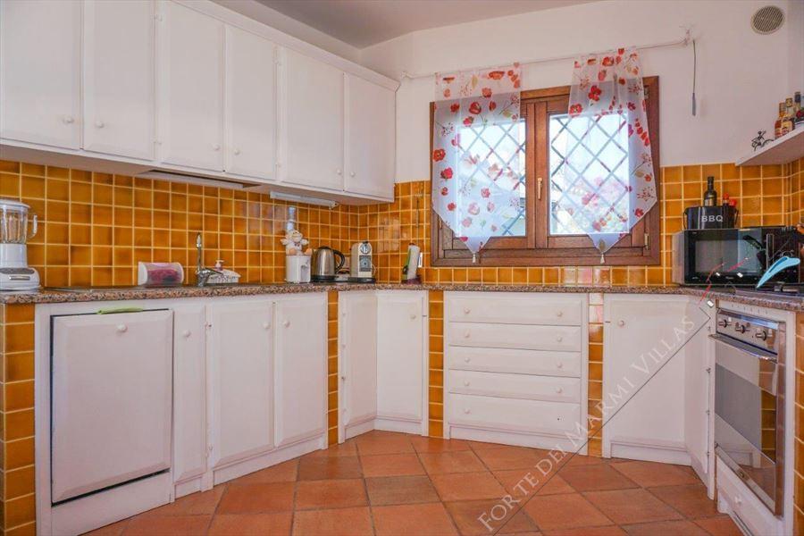 Villa Porto Cervo : Kitchen
