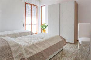 Villa Bixio : спальня с двумя кроватями