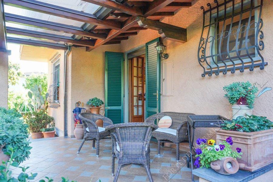 Villa Opportunity : Veranda