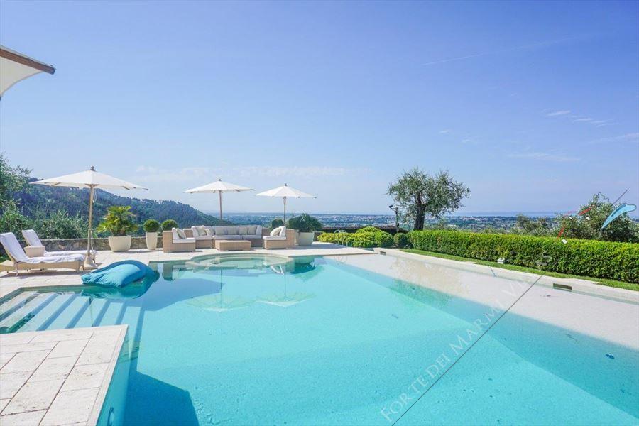 Villa Livia : Piscina