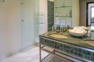 Villa Livia : Ванная комната с душем