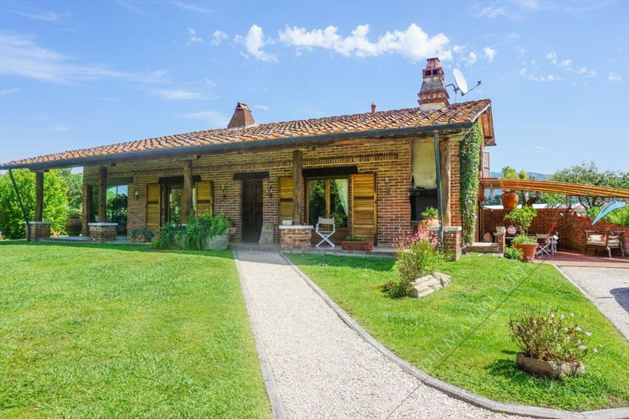 Villa Marilena - Detached villa For Sale Lido di Camaiore