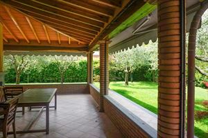 Villa Pietrasantese : Веранда