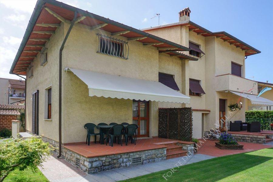 Villa Serena - Semi detached villa Marina di Pietrasanta