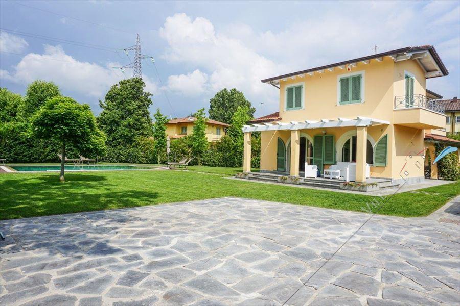 Villa Kathleen : Vista esterna