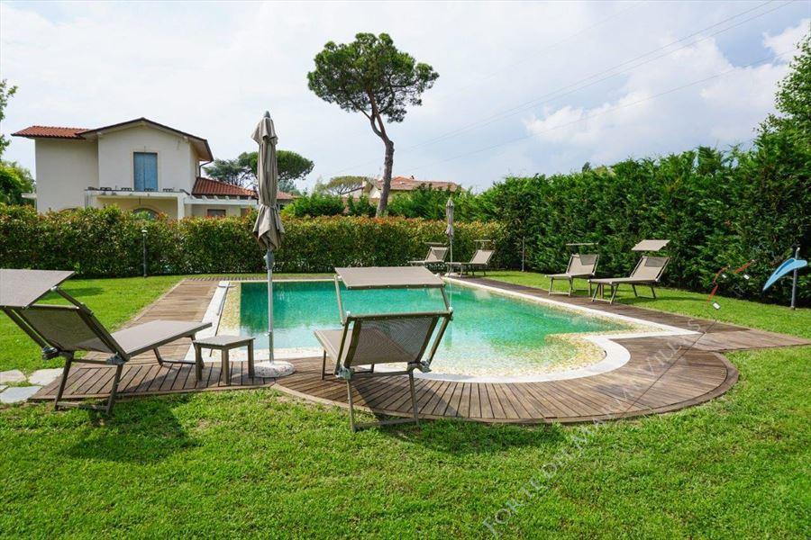 Villa Kathleen : Piscina