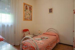 Villa Barbara : спальня с односпальной кроватью