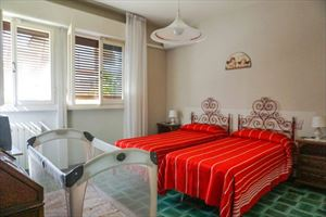 Villa Barbara : спальня с двумя кроватями