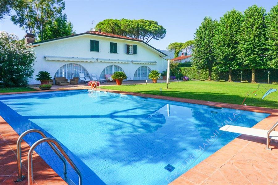 Villa  Principessa detached villa to rent and for sale Forte dei Marmi