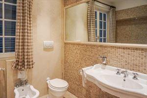 Villa  Principessa : Ванная комната с ванной