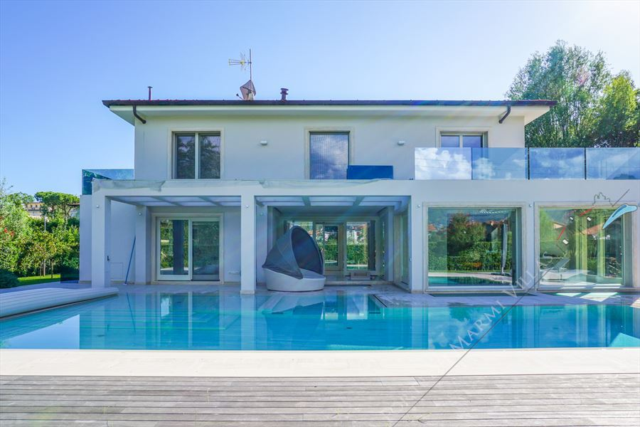 Villa Paradise detached villa to rent Forte dei Marmi