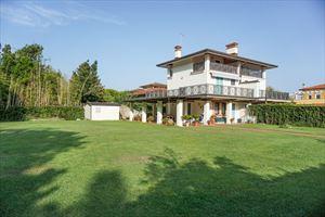 Villa Prato Verde: Villa bifamiliare Forte dei Marmi
