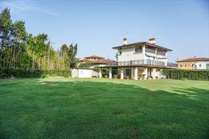 Villa Prato Verde villa bifamiliare affitto e vendita Vittoria Apuana Forte dei Marmi