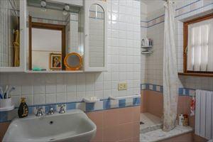 Villa Prato Verde : Bagno con doccia