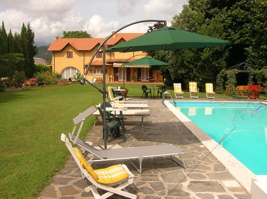 Villa   Mimosa  detached villa to rent and for sale Camaiore