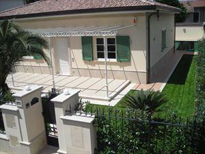 Villa    Petrosa  : Detached villaMarina di Pietrasanta